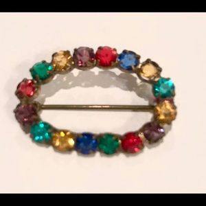 Sweet Vintage Oval Brooch